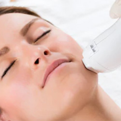 Photofacial in Winnipeg
